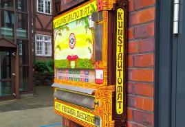 Ein Kunstautomat am Altstädter Markt