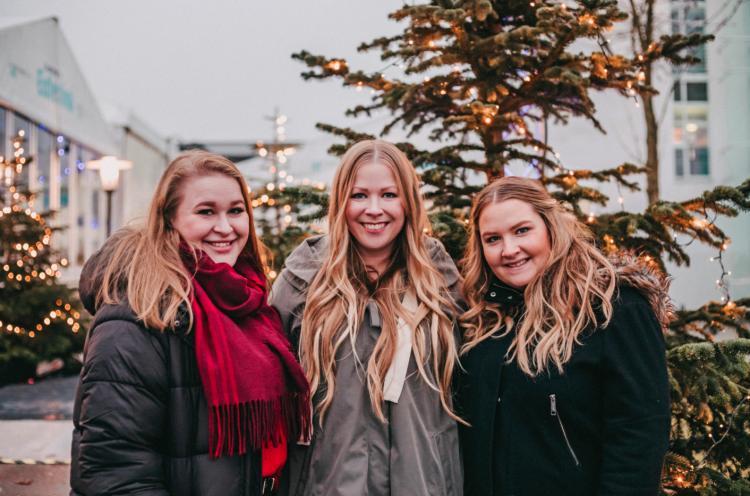 Wir – Lene, Finja und Sina (v. li.) – haben uns für euch auf den Weg gemacht und die Weihnachtsmärkte der Region genauer unter die Lupe genommen