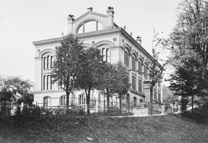 Historisches Gebäude, neu verpackt